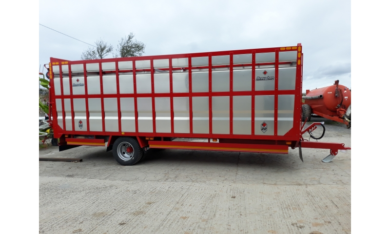 BROUGHAN 22FT CATTLE TRAILER