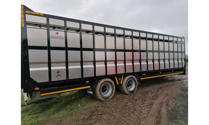 BROUGHAN 30FT CATTLE TRAILER